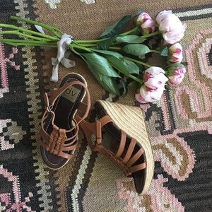 Dolce Vita espadrilles brown leather platforms